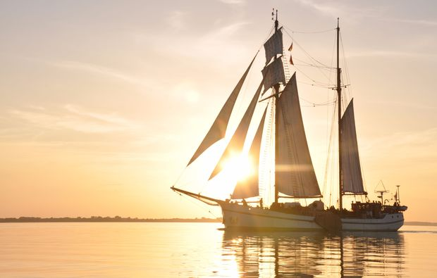 segeln-dinner-neppermin-sonnenuntergang