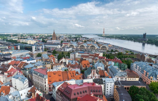 mini-kreuzfahrt-deluxe-stockholm-riga-stadtblick