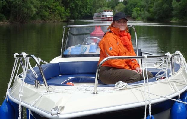 motorboot-fahren-halle-saale-see