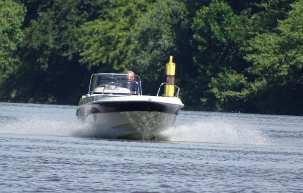 motorboot-fahren-halle-saale-training
