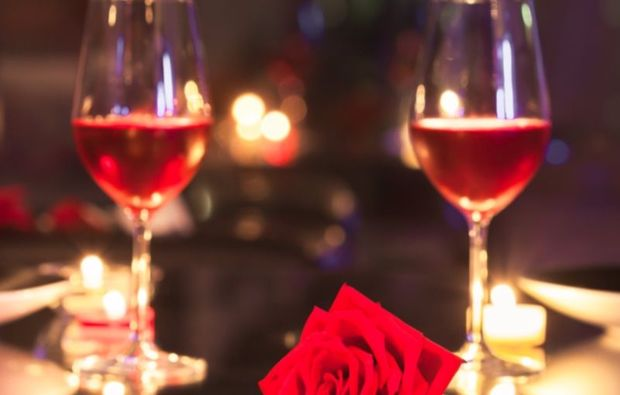 candle-light-dinner-deluxe-berlin-rose