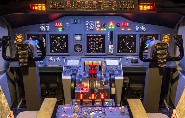 flugsimulator-muenchen-cockpit