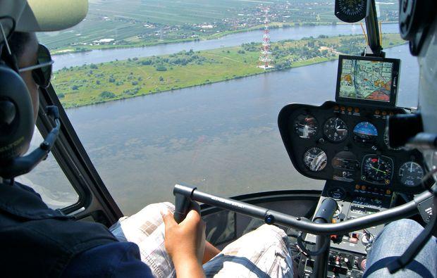 romantik-rundflug-hamburg-cockpit