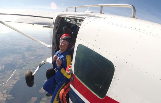 fallschirm-tandemsprung-hodenhagen-adrenalin