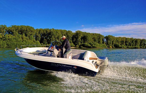 motorboot-fahren-ginsheim-gustavsburg-boot