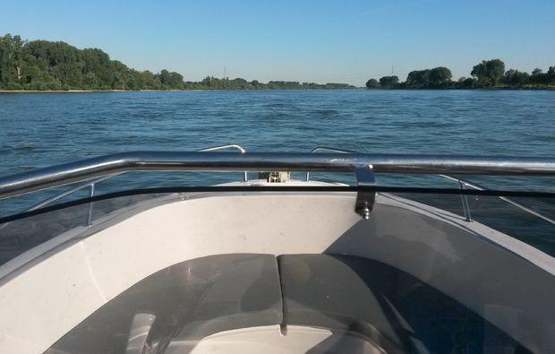 motorboot-fahren-ginsheim-gustavsburg-erlebnis