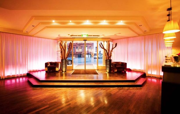 staedtereise-frankfurt-lobby