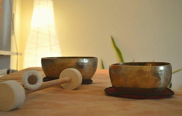 ganzkoerpermassage-eppelheim-klangschale