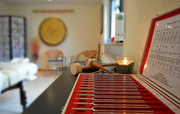 ganzkoerpermassage-eppelheim-stimmgabelmassage