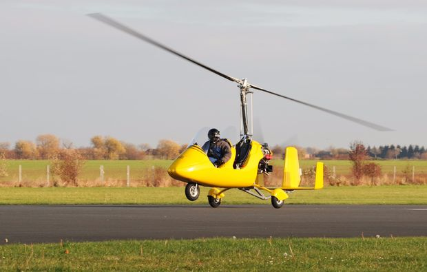 tragschrauber-rundflug-nittenau-bruck-180min-gyrocopter-gelb-start