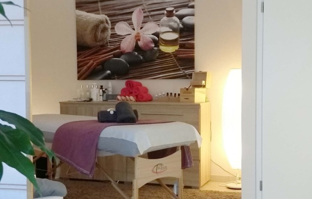 after-work-relaxing-stockelsdorf-massageliege