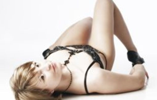 akt-dessous-fotoshooting-bischberg-pose
