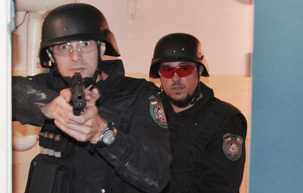 swat-camp-tutzing-pistole