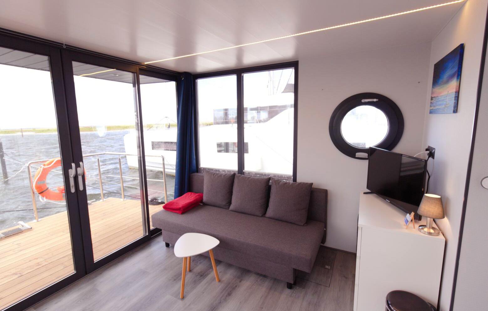 hausboot-uebernachtung-o-sauna-3-tage-2-uen-2-personen-bg4