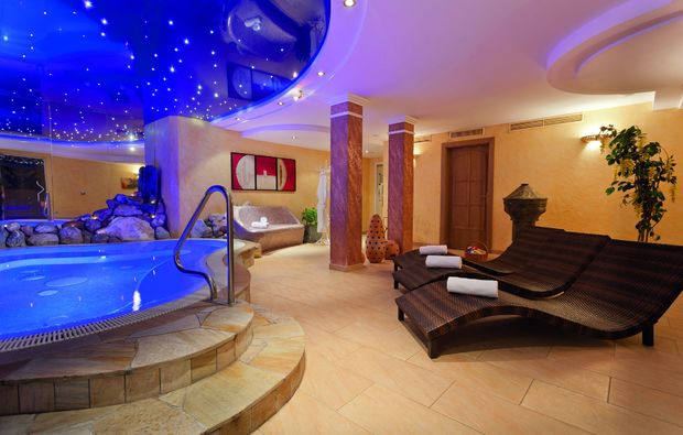 wellnesshotels-feld-am-brennsee-pool