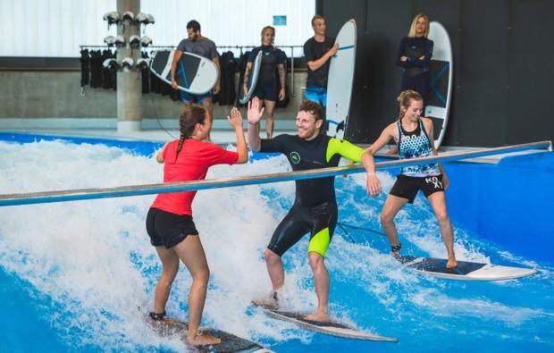 bodyflying-indoor-surfen-trio