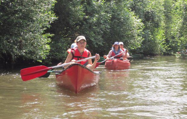 kanu-tour-riegel-paddeln