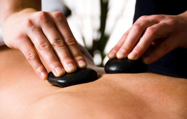hot-stone-ganzkoerpermassage-eppelheim-basaltsteinmassage