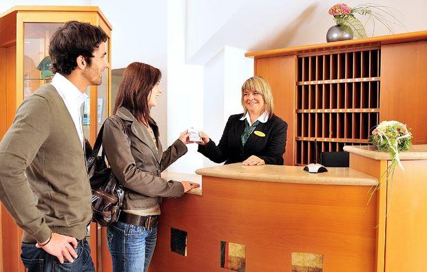 bad-salzungen-thermen-spa-hotels-rezeption