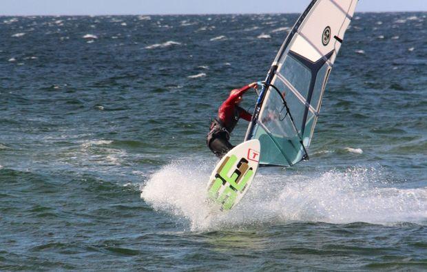 windsurf-schnupperkurs-schubystrand-damp-anschauen