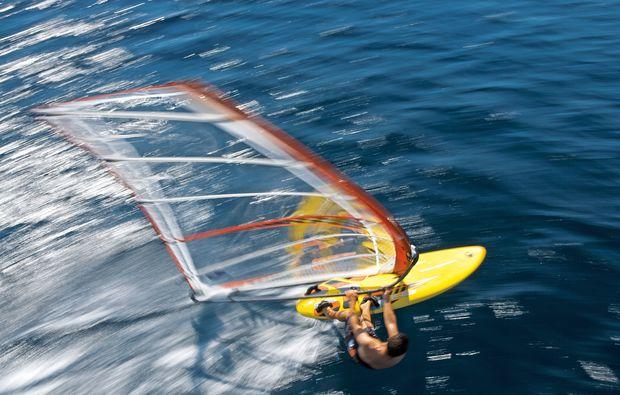 windsurf-schnupperkurs-schubystrand-damp-wind