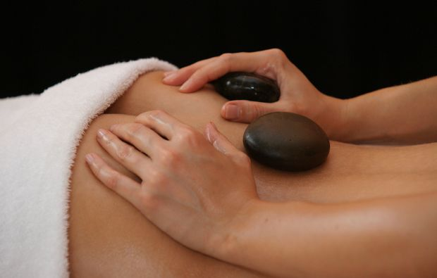 hot-stone-massage-illertissen-entspannung