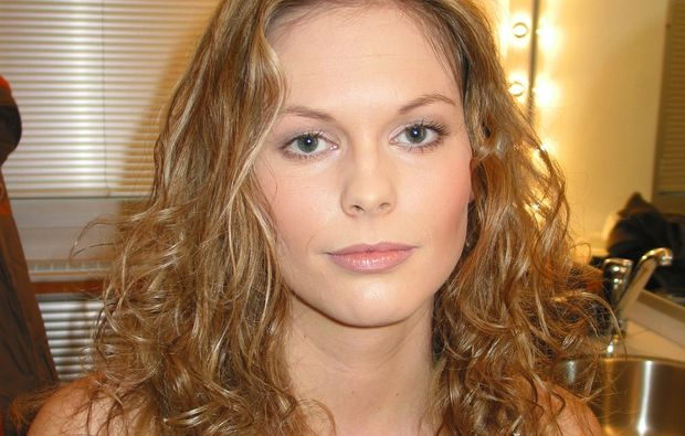 gruppe-make-up-beratung-in-der
