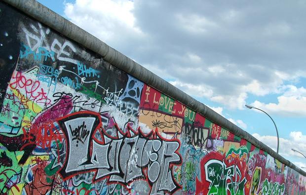 sightseeing-berlin-wall