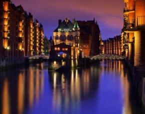 Hamburg_Candle-Light-Dinner+Hafen-GYG Lichterfahrt Candle-Light-Dinner und romantische Hafenrundfahrt am Abend