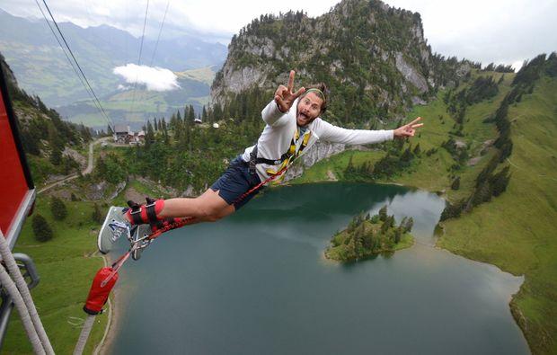 bungee-jumping-interlaken-gondel