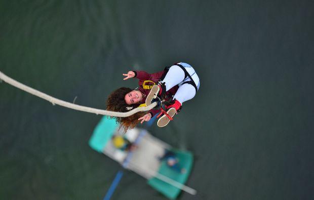 bungee-jumping-interlaken-sprung