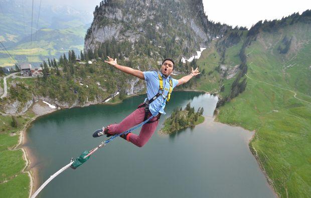 sprung-bungee-jumping-interlaken