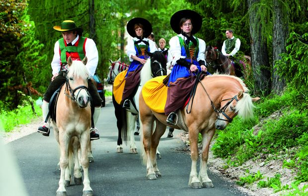 wellnesshotels-corvara-pferde