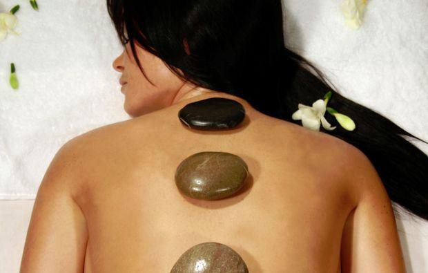hot-stone-massage-wiesbaden
