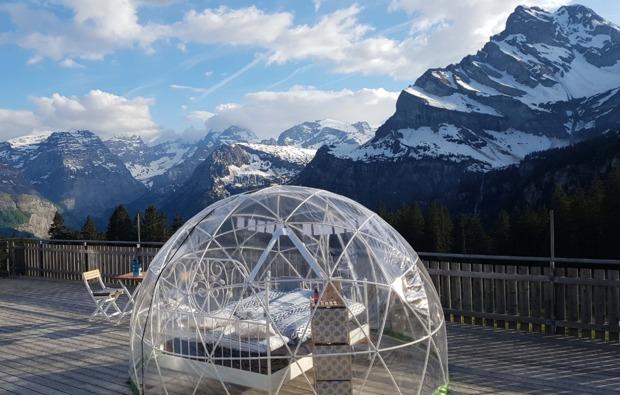 bubble-uebernachtung-kleinwangen-bett