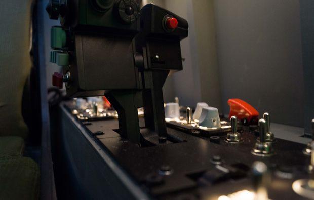 flugsimulator-zuerich-cockpit-kampfjet-simulator