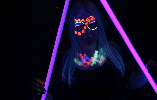 bodypainting-fotoshooting-essen-neon-painting