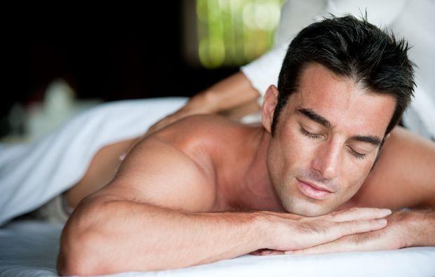 wellness-fuer-maenner-goehren-lebbin-reflexzonemassage