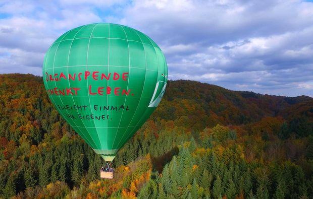 ballonfahrt-aichach-gruener-ballon