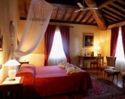 Kuschelwochenende (Voyage d´Amour für Zwei) Hotel Residence Villa La Cappella - 3-Gänge-Candle-Light-Dinner
