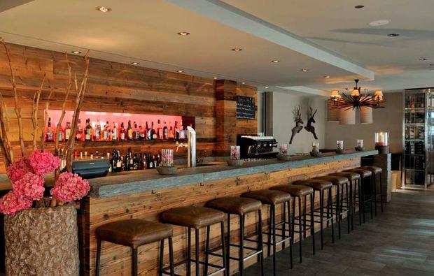 luxushotel-brigels-bar
