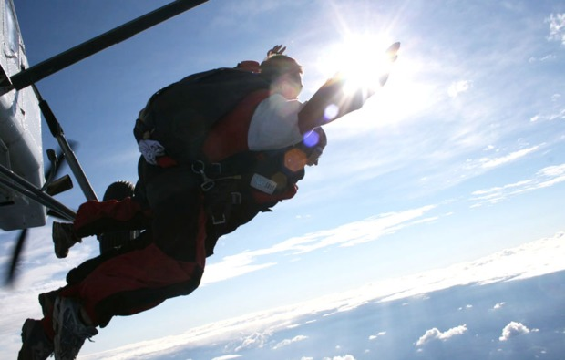 fallschirm-tandemsprung-niederoeblarn-action
