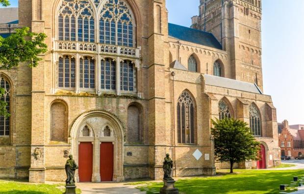 erlebnisreise-bruegge-kathedrale