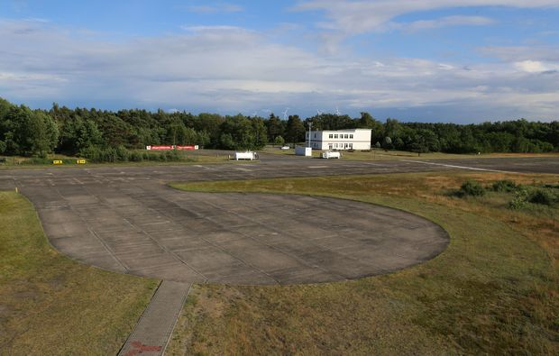 bunkerfuehrung-kolkwitz-flugplatz