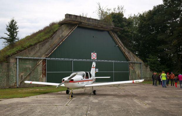 bunkerfuehrung-kolkwitz-flugzeug