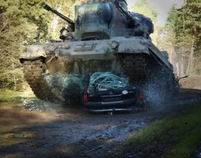 panzer_ueberfaehrt_auto