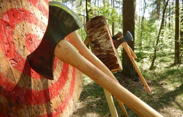 survival-training-hassbergen-axtwurf