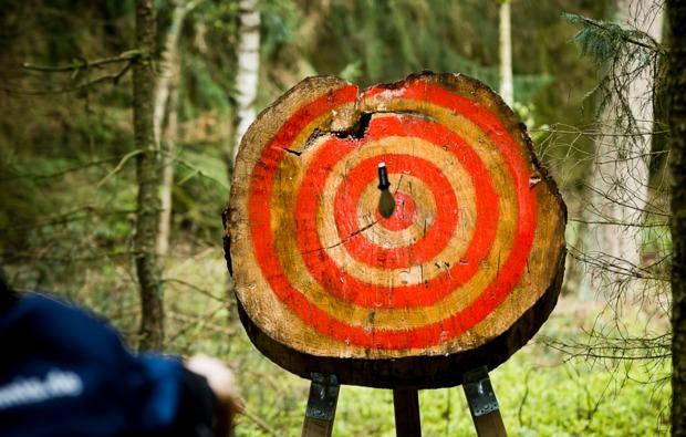survival-training-hassbergen-messerwurf