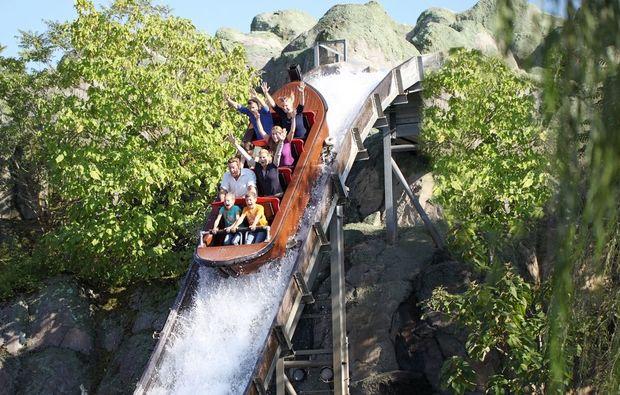 erlebnisreise-legoland-guenzburg-wasserbahn