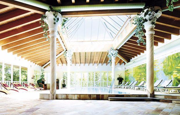 schlemmen-traeumen-seefeld-in-tirol-pool